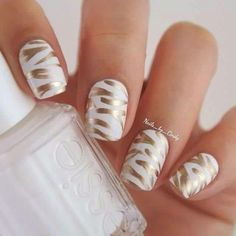 White nd gold nails