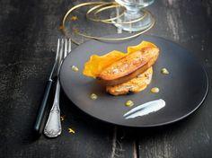 Foie gras de canard rôti et patate douce au St Môret®,  olives niçoises et passion