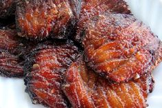Fillet the fish. When its perfect, you'll have a dried seafood that's crisp yet meaty and the saltiness complements the sweetness of it being a tocino Seafood Dishes, Seafood Recipes, Cooking Recipes, Filipino Recipes, Asian Recipes, Filipino Food, Filipino Dishes, Healthy Recipes, Fish And Meat
