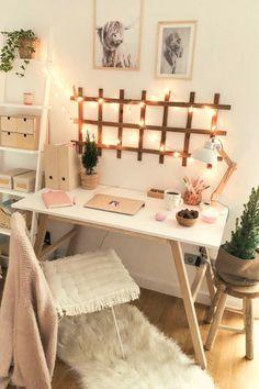 diy projects Apartment desks - Simple, Easy & Intimidating DIY Desk Ideas - Thrift with Vitor Cute Bedroom Decor, Room Ideas Bedroom, Office In Bedroom Ideas, Office Ideas, Bedroom Inspo, Cute Desk Decor, Bedroom Small, Small Bedroom Decor On A Budget, Teen Bedroom Desk