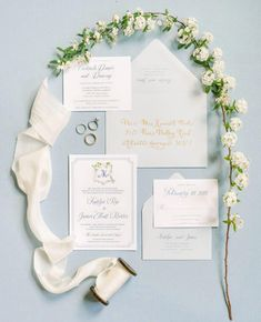 We are rounding out our #WeddingWednesday with some gorgeousness from @pureluxebride.  Pretty details make our heart melt, what is your…