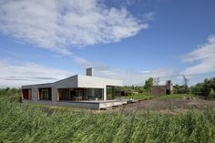 One-Story Bungalow House Reflects The Impressive Landscapes - image 22