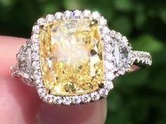 Yellow Diamond Rings, Yellow Diamonds, Emeralds, Diamond Are A Girls Best Friend, Cute Jewelry, Old And New, Cartier, Diamond Jewelry, Gems