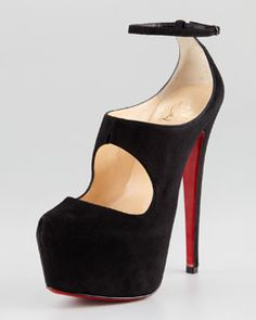 X1CBH Christian Louboutin Maillot Cutout Platform Red Sole Pump $1195 So can we call this a Modified MJ