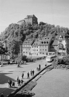Greiz. Stadtansicht mit Oberem Schloß auf dem Schloßberg. Blick ü... , 1962