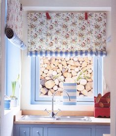 5 Inspiring Floral Blinds - possible idea for the kitchen window - floral one side and red gingham on reverse