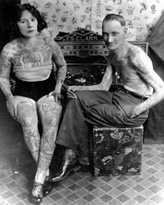 1915 photo of tattoo artists Mildred Hull, Charles Wagner and Jean ...
