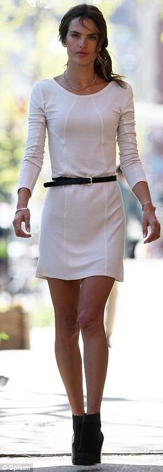 white dress with black belt and booties- perfect effortless fall look #invertedtriangle