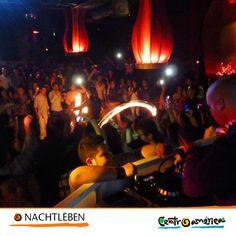 #Nachtleben #Freund #Freundin #Sektglas #tanzen #mittelAmerika #Entdecken #Reisen