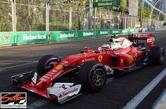 #enlapistadotcom #Repost @suttonimages  Kimi Raikkonen out on track in FP1 #f1 #FP1 #SingaporeGP