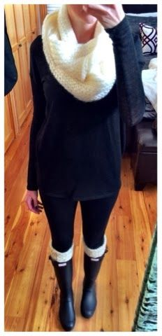Snow day outfit - Hunter boots, boot socks and chunky scarf over black leggings and oversized sweater