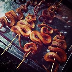 Fried Snakes – Siam Reap, Cambodia. | 30 Glorious Street Foods From Around The World That Will Make You Want To Travel