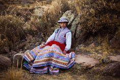http://www.msn.com/es-pe/estilo-de-vida/moda-y-belleza/alucinantes-retratos-de-mujeres-de-todo-el-mundo/ss-AAhR1qX?li=BBoJIjd