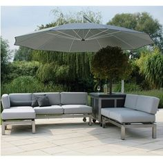 May Mezzo MG 2.6m Square Cantilever Parasol