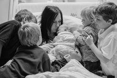 45 niños que ven por primera vez a su hermano(a)