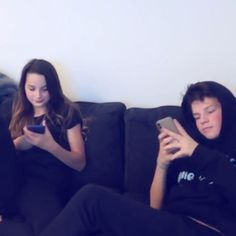 Qt: did you know that Annie and Hayden know each other's passwords!