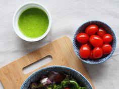 8 pomysłów na domowe sosy do sałatek i przepis na odżywczą sałatkę - Blog AgataBerry.pl