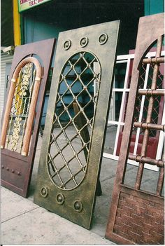 Steel Gate Design, Front Gate Design, Door Gate Design, Aluminium Gates, Metal Gates, Wrought Iron Doors, Debloquer Iphone, Iron Front Door, Wine Cellar Design