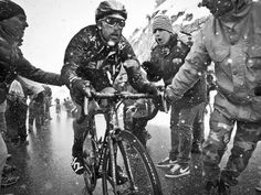 Giro d'Italia 2013. A battle against the elements