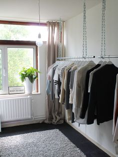 New Clothes Closet Hanging Bedrooms Ideas Walk In Closet Diy, My New Room, My Room, Open Wardrobe, Hanging Clothes, Small Rooms, Interior Design Living Room, Home And Living, Room Inspiration