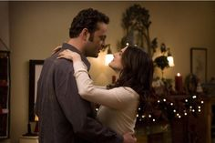 Vince Vaughn and Rachel Weisz in Fred Claus (2007)
