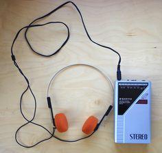 Vintage 1980's Sanyo Portable AM FM Stereo Radio Model RP45 with Headphones Like a Sony Walkman by retrowarehouse on Etsy
