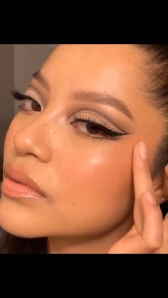 Red Eye Makeup, Korean Eye Makeup, Makeup Eye Looks, Purple Makeup, Eyeshadow Makeup, Anastasia Makeup, Beginners Eye Makeup, Casual Makeup, Learn Makeup