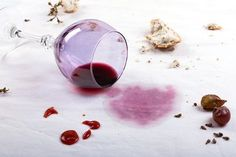 Facts about Stain Removal - Tip Top Dry Cleaners Cleaning Recipes, Dry Cleaning, Cleaning Hacks, Remover Manchas, Red Wine Stains, Papier Absorbant, Holiday Tablecloths, Bra Hacks, White Napkins
