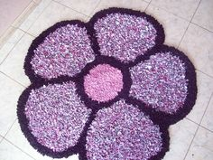 Tapetes Artesanais Com formato de Flor  com a cor rosa