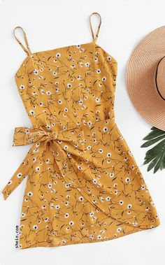 Shop Ditsy Print Open Back Wrap Hem Cami Dress online. Shop Ditsy Print Open Back Wrap Hem Cami Dress online. SheIn offers Ditsy Print Open Back Wrap Hem Cami Dress Flower Dresses, Women's Dresses, Cute Dresses, Casual Dresses, Cute Outfits, Daisy Dress, Simple Dresses, Casual Outfits, Awesome Dresses