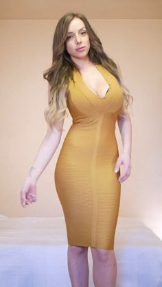 Sexy Dress for Parties and other events Fall Fashion Outfits, Sexy Outfits, Fashion Dresses, Tight Dresses, Sexy Dresses, Girls Dresses, Belle Nana, Sexy Women, Mode Style