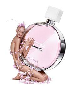 El perfume rosa claro de la fragancia da una impresión global más frutal y suave. #ChanelChanceEauTendre