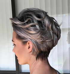 Love the color Silvery Blonde Wavy Pixie Bob Short Grey Hair, Short Hair With Layers, Girl Short Hair, Short Hair Cuts, Ash Blonde Short Hair, Stylish Short Haircuts, Grey Haircuts, Longer Pixie Haircut, Messy Haircut