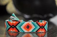 Photo of by brillosito - friendship-bracel. Photo of by brillosito - friendship-brac Summer Bracelets, Cute Bracelets, Colorful Bracelets, Ankle Bracelets, Handmade Bracelets, Thread Bracelets, Embroidery Bracelets, Loom Bracelets, Macrame Bracelets