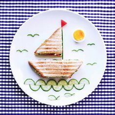 Looking for some awesome keto snacks? These ketogenic diet snacks are perfect for staying in ketosis. Looking for some awesome keto snacks? These ketogenic diet snacks are perfect for staying in ketosis. Cute Snacks, Cute Food, Good Food, Funny Food, Toddler Meals, Kids Meals, Food Art For Kids, Art Kids, Food Decoration