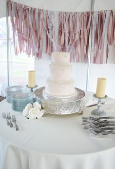 Wedding cake pink and ivory