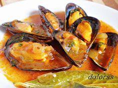 Un plato marinero por excelencia , que probé por primera vez, eso creo, en Cambrils (Tarragona) en el pòsit dels pescadors , eso sí ha... Fish Recipes, Seafood Recipes, Cooking Recipes, Healthy Recipes, Seafood Dishes, Fish And Seafood, Salty Foods, World Recipes, Mediterranean Recipes