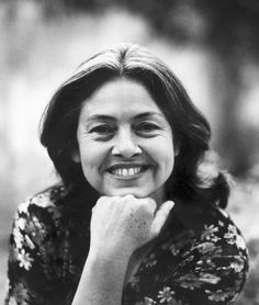 Adélia Prado (1935-  ). Mãe de 5 filhos, durante 24 anos foi professora nos vários níveis do ensino. Embora escrevesse desde os 14 anos só aos 40 publicou seu primeiro livro, Bagagem, que foi muito bem recebido pela crítica.