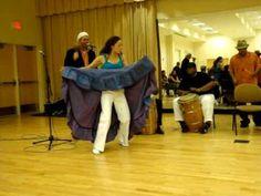 Excellent video of Bomba dancing with Los Pleneros de la 21. Community workshop in bomba y plena by Los Pleneros de la 21, University of North Carolina-Chapel Hill, 10/15/09. Personnel: Julia Gutierrez, Alex Lasalle, J...