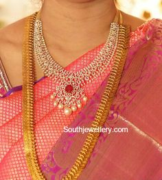 Diamond Necklace and Kasu Haram photo Indian Jewellery Design, Jewelry Design, Indian Jewelry, Fashion Jewellery, Ethnic Jewelry, Women's Fashion, Gold Jewelry Simple, Schmuck Design, Jewelry Patterns