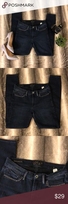 """Lucky Brand Brooke Legging Jean These are fair condition Lucky Brand Brooke Legging Jeans. They look sexy and btw I'm sure you noticed they are lucky Brand which is... top shelf... yeah. These jeans would be listed as """"good condition"""" but they have crimps on the left front (see pictures) and make an offer :-)   These jeans are very stretchy and comfy.   Waist 28"""" Front rise 8.5""""  Back rise 14"""" Inseam 28"""" Lucky Brand Jeans"""