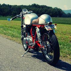 Kawasaki KZ400 cafe racer by Seth Hensler