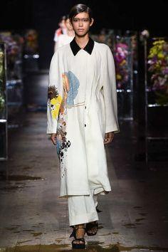 Dries Van Noten Spring 2017 Ready-to-Wear Fashion Show - Janiece Dilone