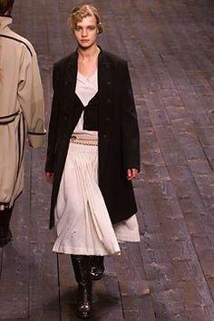 Dries Van Noten Fall 2002 Ready-to-Wear Fashion Show - Natalia Vodianova, Dries Van Noten