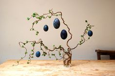 Ideas Willow Tree Diy Branches For 2019 Tree Wallpaper Pattern, Birch Tree Wallpaper, Flocked Christmas Trees, Christmas Tree Decorations, Fruit Tree Garden, Small Palm Trees, Egg Tree, Branch Decor, Easter Tree