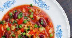 Haastamme sinut kokeilemaan kuukautta vegaanina! Ratatouille, Thai Red Curry, Salsa, Cooking, Ethnic Recipes, Soups, Food, Red Peppers, Kitchen