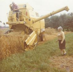 Combine Harvester, Vintage Farm, Dodge Trucks, European Countries, Heavy Equipment, Farm Life, My Childhood, Tractors, History