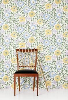 -Sagoträdet av Josef Frank - for a bedroom! Hallway Wallpaper, Kitchen Wallpaper, Retro Wallpaper, Retro Tapet, Beddinge, Interior Decorating, Interior Design, Big Girl Rooms, Textiles