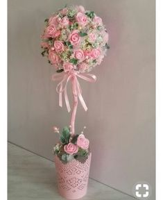 Pink & White Floral Centerpieces: could be done white and red Flower Crafts, Diy Flowers, Flower Decorations, Paper Flowers, Wedding Decorations, Fabric Flowers, Bridal Shower Centerpieces, Floral Centerpieces, Floral Arrangements