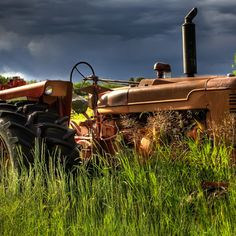 Do you think The Faithful Hand deserves to win the Steiner Tractor Parts Photo Contest?  Have your say and vote today for your favorite antique tractor photos!